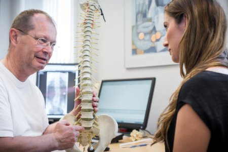 Undersøgelse af patientens sygehistorie ved Kiropraktor Århus